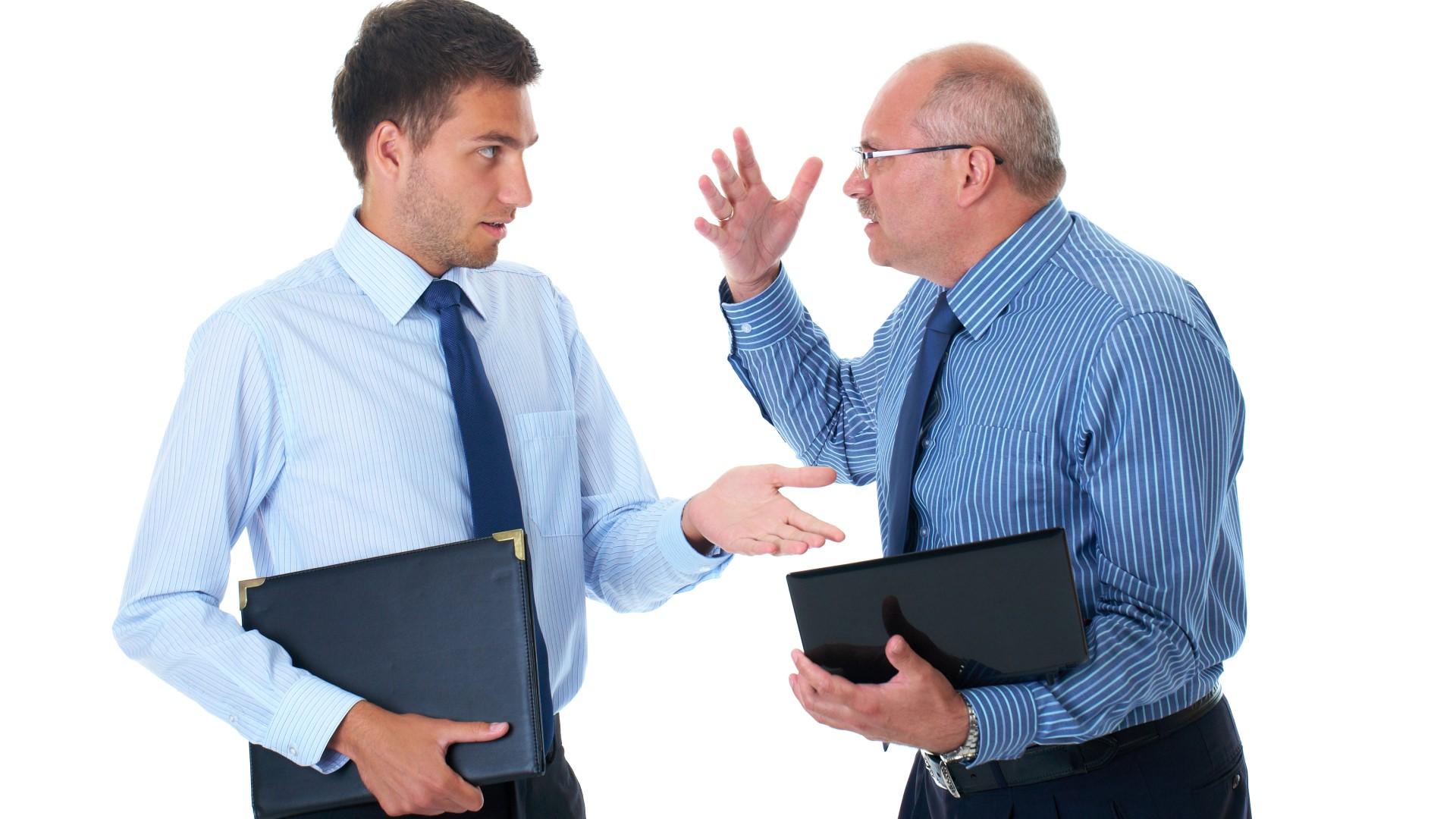 Vater und Sohn streiten in der Firma Unternehmensnachfolge GENAPLAN Hamburg